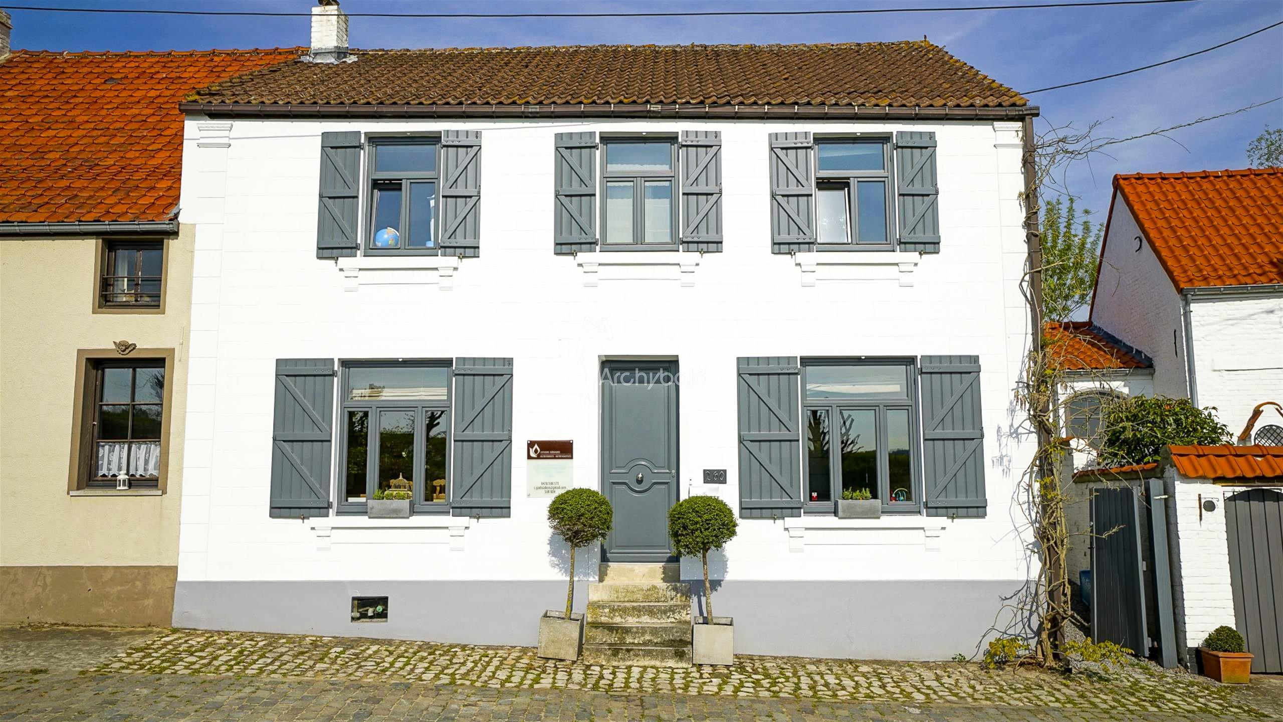 lasne maison maison de caract re vendre route de l 39 etat archybald immobilier de. Black Bedroom Furniture Sets. Home Design Ideas